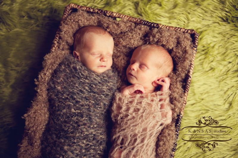 identical twin newborn babies - photo #24