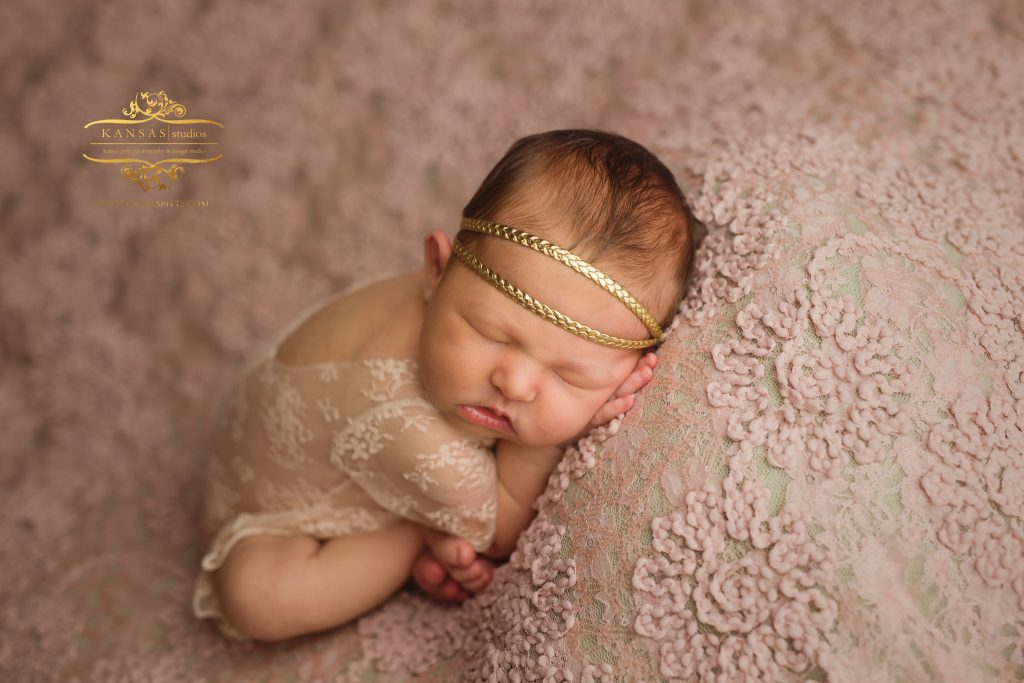Newborn photographer in Santa Rosa Beach